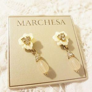 💎Marchesa💎Ooh la la! Pretty Floral Earrings